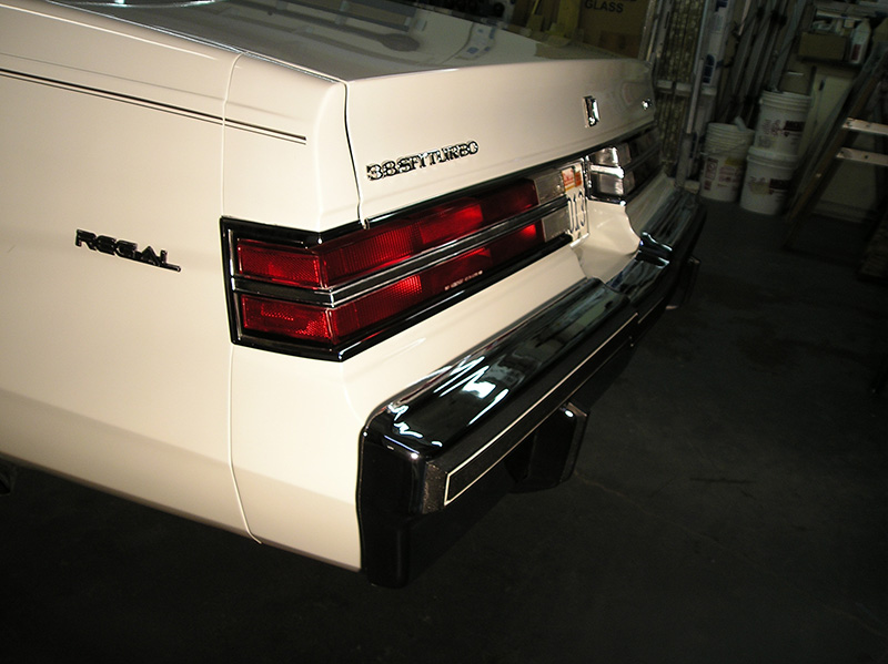 Spoolfool-White-rear-fillers-on-car-2